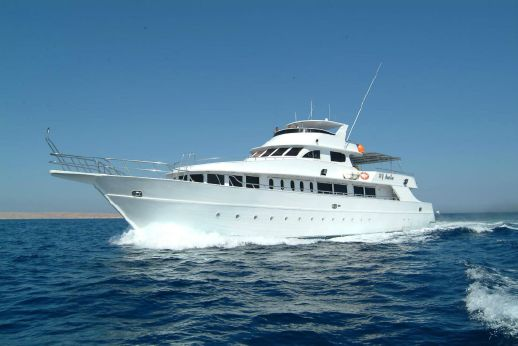 2000 My Miss Veena Custom Dive Yacht