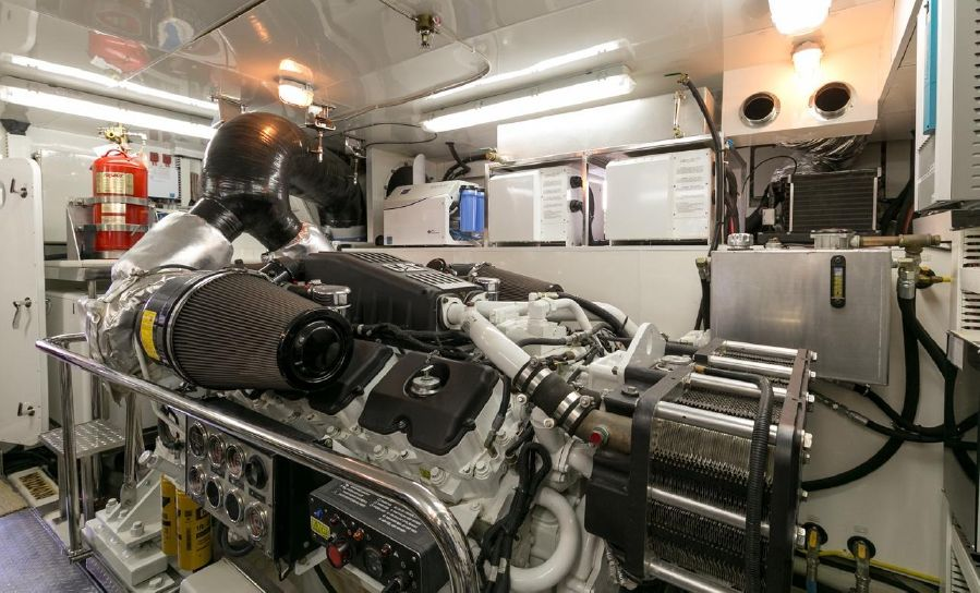 Ocean Alexander 88 Luxury Yacht Diesel Engine