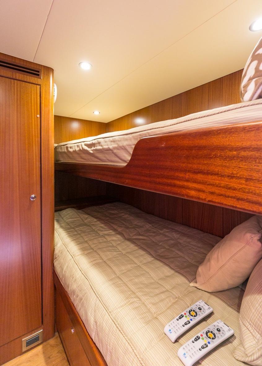 2010 Ocean Alexander 88 Luxury Yacht Crew Bunks