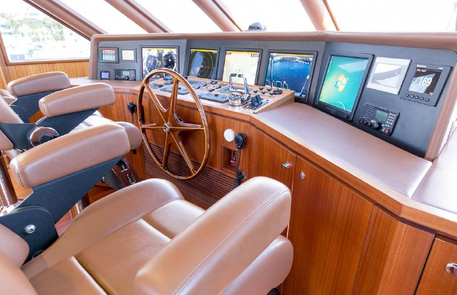 2010 Ocean Alexander 88 Luxury Yacht Helm Electronics