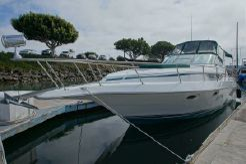 1993 Cruisers Yachts 3270