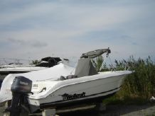 2000 Wellcraft 210 Fisherman
