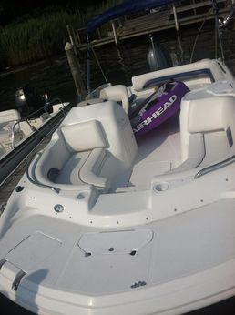 2011 Hurricane SunDeck Sport 188 OB
