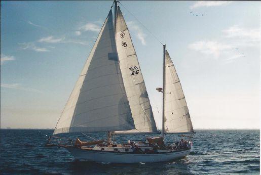 1983 Shannon 38