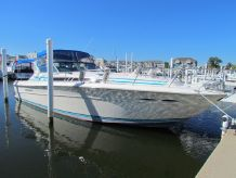 1986 Sea Ray 390 Express Cruiser Diesel