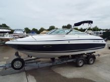 2001 Chris-Craft 215 Cuddy