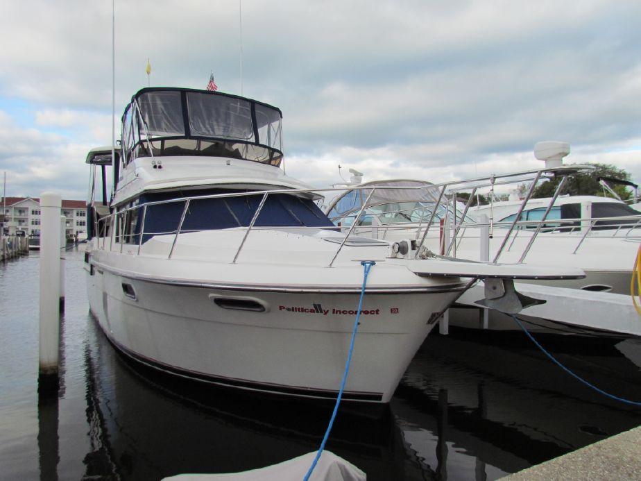 1990 Carver 38 Aft Cabin Motor Yacht Power Boat For Sale -
