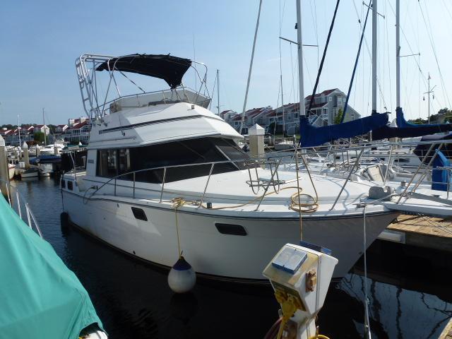 32 ft 1987 carver yachts aft cabin