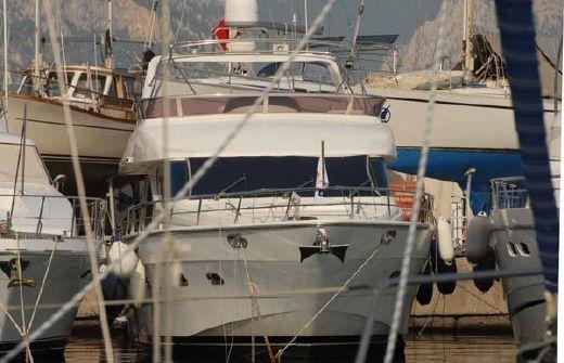 2005 Yaretti Motoryachts Yaretti 2210