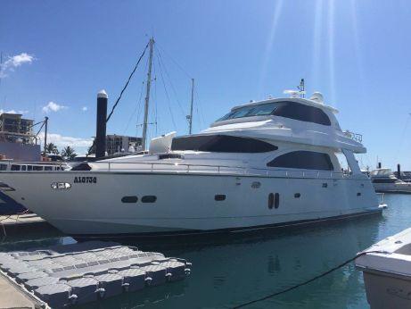 2014 Horizon Yacht E73