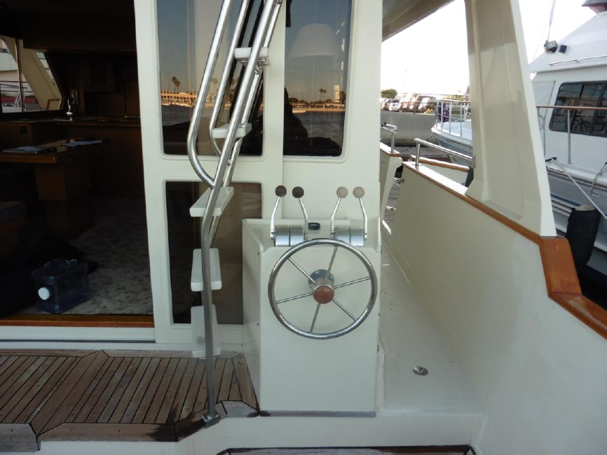 Offshore 55 Pilothouse Lower Controls