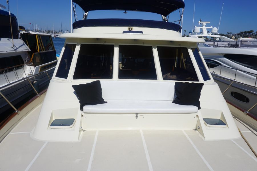 Offshore 55 Pilothouse Bow Seating