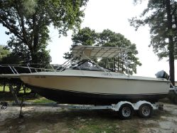 photo of  24' Performer 24 Cuddy