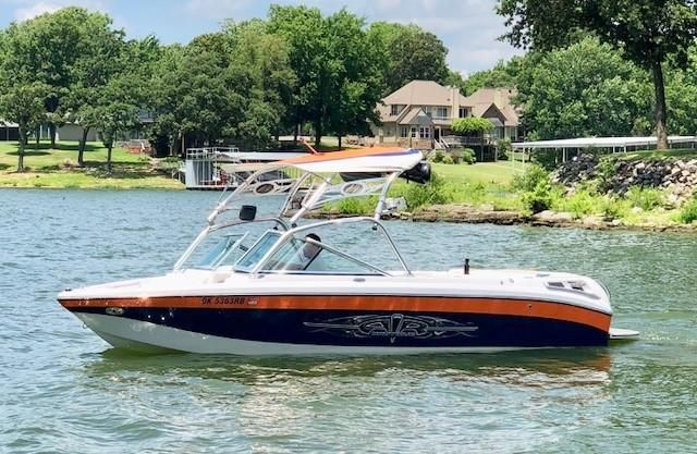 2007 Nautique 220 TM Power Boat For Sale