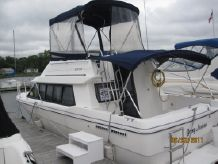 1994 Bayliner 2858 COMMAND BRIDGE