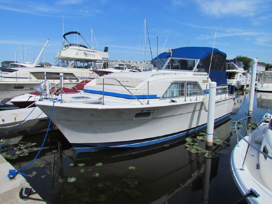 1974 Chris-Craft 350 Catalina Power Boat For Sale - www