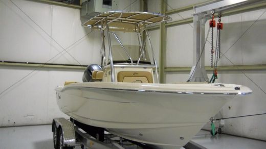 2018 Scout Boats 195 SF