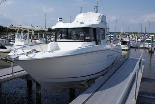 2015 Beneteau. Barracuda