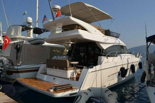 2013 Bavaria Motor Boats 420 Fly