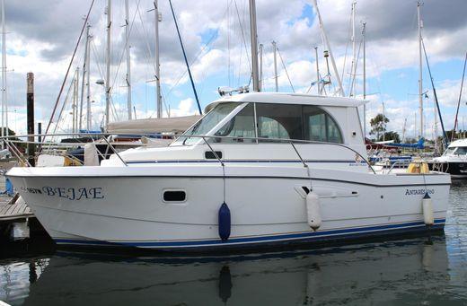 2000 Beneteau Antares 760
