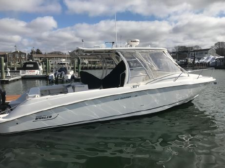 2006 Boston Whaler 32 Outrage Cuddy Cabin