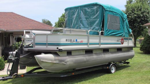 1995 Tracker Sun Tracker Party Barge 21