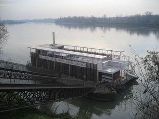 2001 River Floating Restaurant
