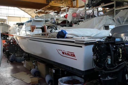 1994 Boston Whaler REVENGE CUDDY 25