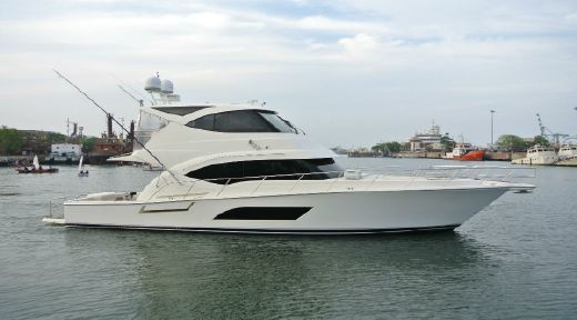 2013 Riviera 53 Enclosed Flybridge