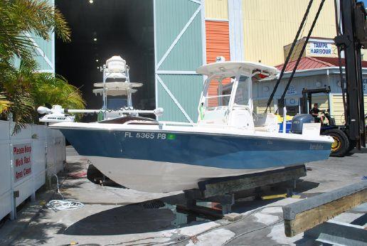 2009 Everglades 243 CC