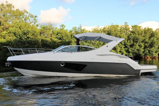 2018 Schaefer Yachts Schaefer 303