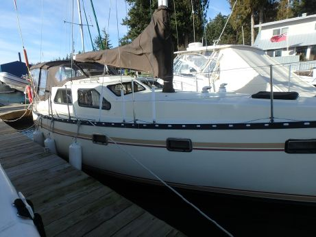 1981 Cooper 353 Pilothouse