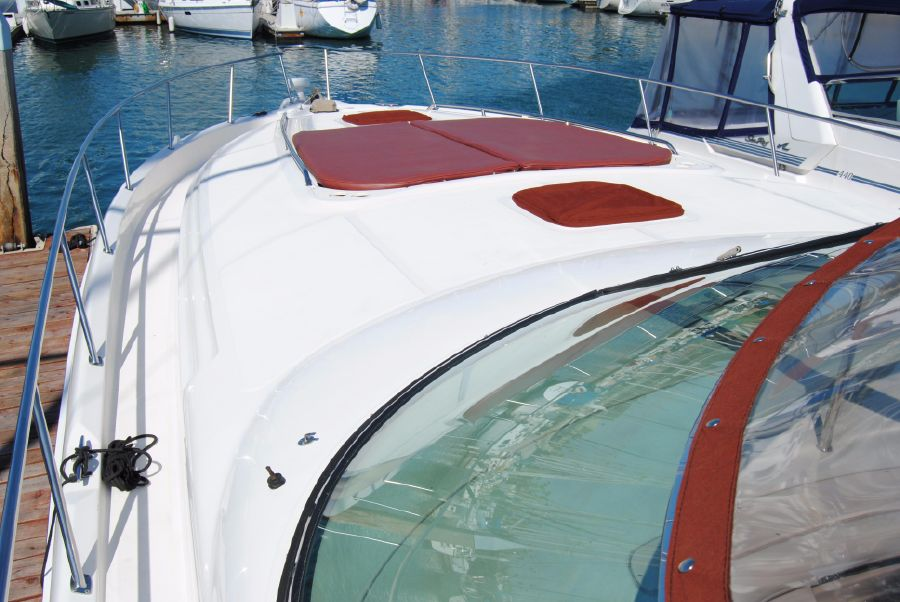 2000 Sea Ray 460 Sundancer Windshield