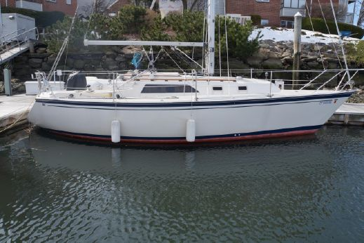 1985 O'day 31 SLOOP