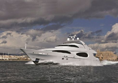 2001 Millennium Super Yacht Luxury Raised Pilothouse