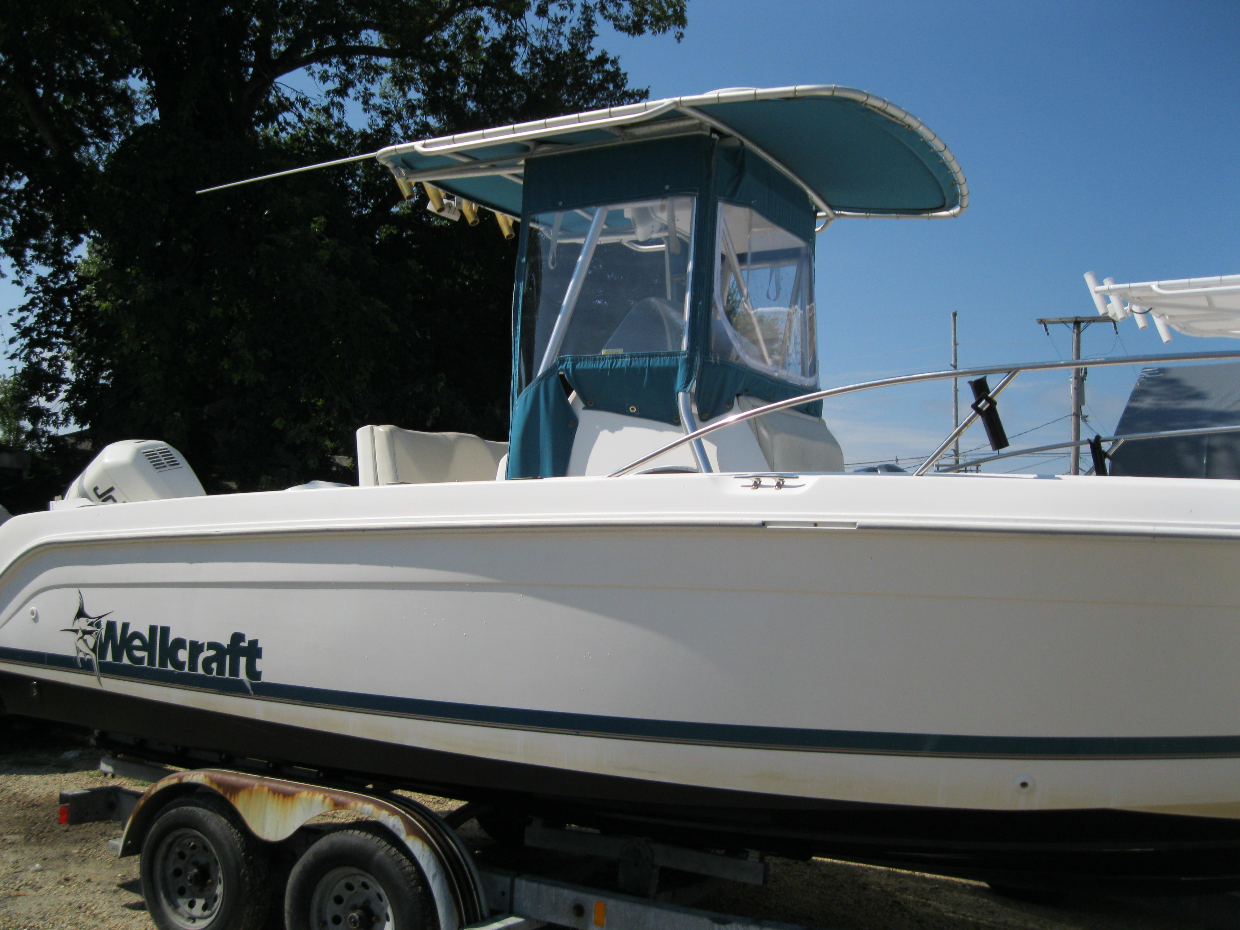 24 ft 1998 wellcraft 240 ccf