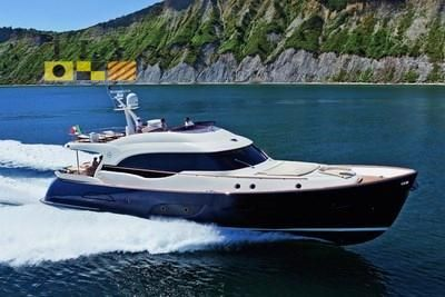 2011 Mochi Craft Dolphin 74 Cruiser