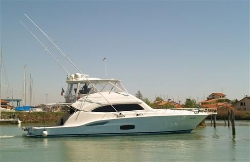2008 Bertram Yacht 700 Convertible
