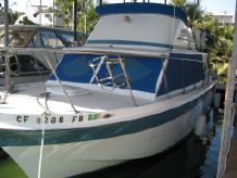 1973 Uniflite 31 Flybridge Cruiser