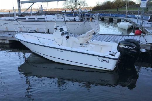 2011 Boston Whaler 190 Outrage