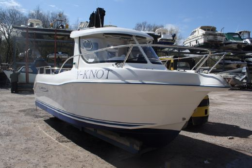2006 Quicksilver 640 Pilothouse