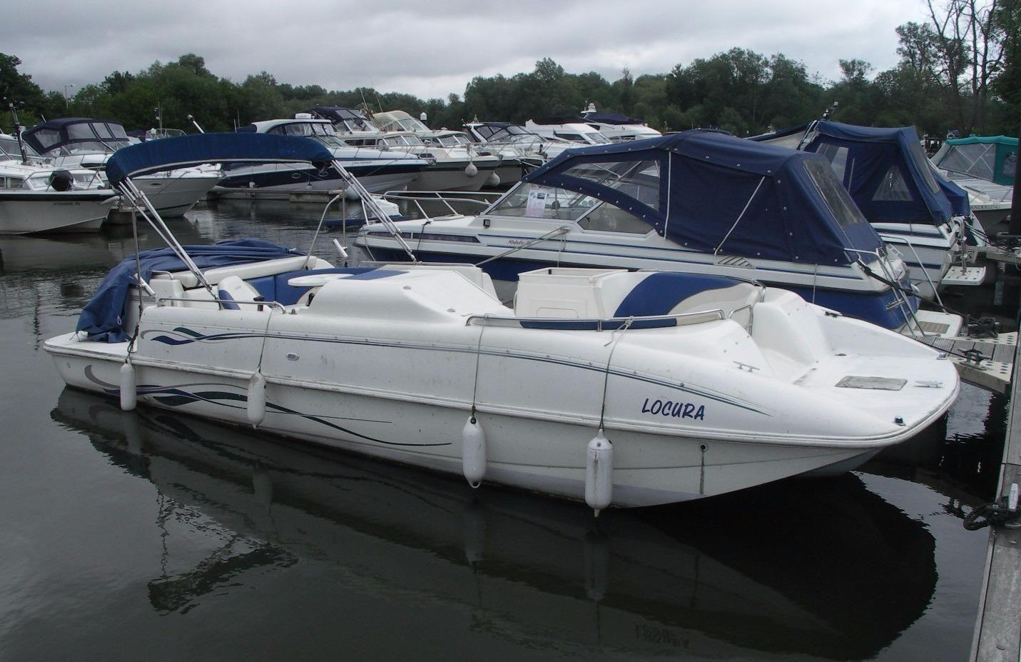 Rinker Flotilla Deck Boat Pictures