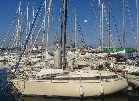 1980 Ferretti Yachts Altura 10