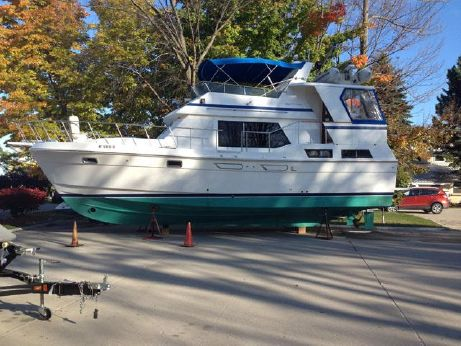1987 Chb Great Lakes Yachts Sundeck 40