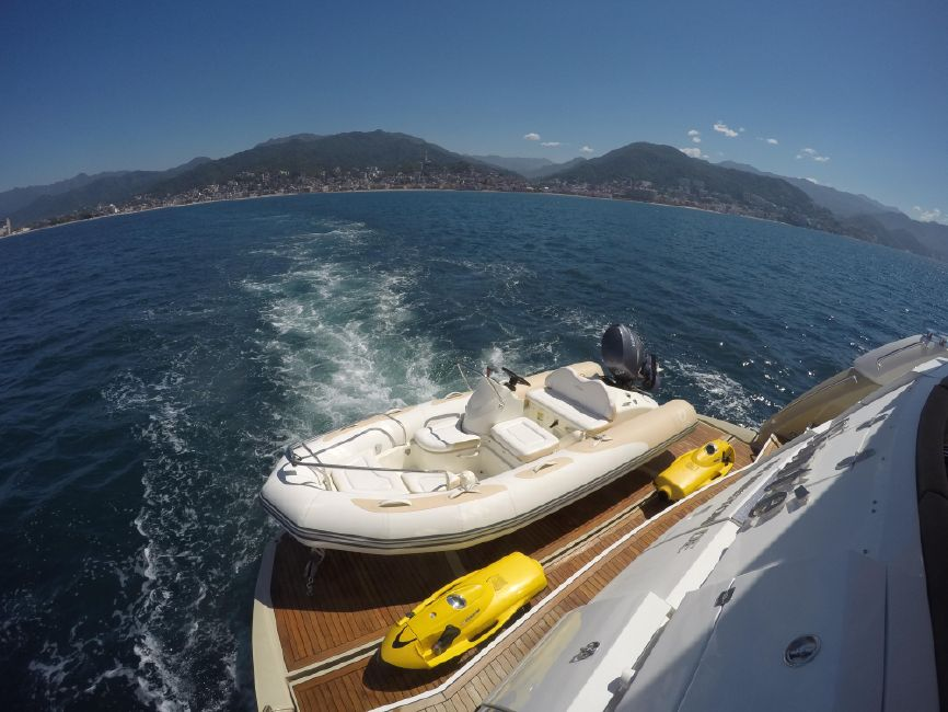 Sunseeker 82 Yacht Swim Platform Tender