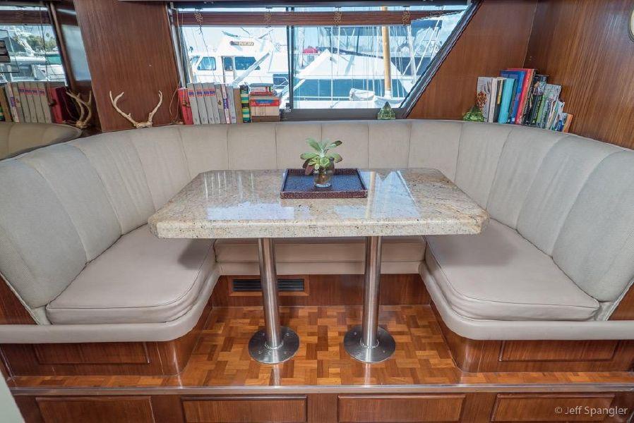Hatteras 70 Cockpit Motor Yacht for sale