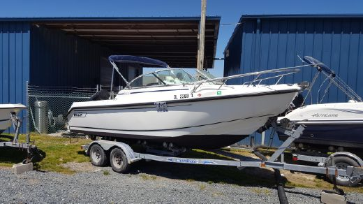 2002 Boston Whaler 210 Ventura