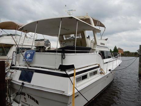 1980 Viking Yachts Double Cabin Cruiser