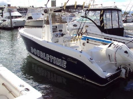 2005 Seaswirl 26 Center Console