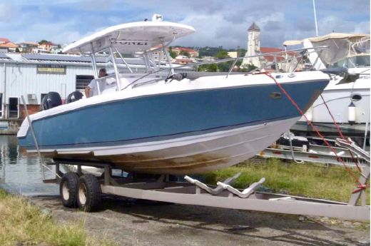 2010 Donzi 35 ZFX Cuddy